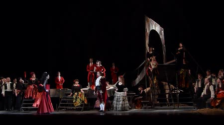 akt : DNIPRO, UKRAINE - FEBRUARY 23, 2018: Classical opera Carmen performed by members of the Dnipro Opera and Ballet Theater. Dostupné videozáznamy