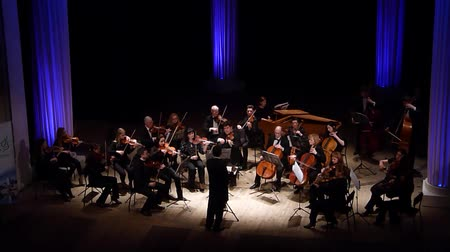 hangjegykulcs : DNIPRO, UKRAINE - MARCH 12, 2018: FOUR SEASONS Chamber Orchestra - main conductor Dmitry Logvin perform Concerto grosso ??. 6 No.9 by George Frederick Handel at the State Drama Theater.