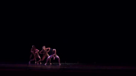 crayon : DNIPRO, UKRAINE - SEPTEMBER 7, 2018: Modern ballet performed by members of the Mykolayiv Academic Drama Theater. Stock Footage