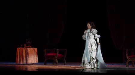трагедия : DNIPRO, UKRAINE - OCTOBER 7, 2018: Rigoletto performed by the Dnipro State Opera and Ballet Theater. Стоковые видеозаписи