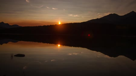 low lighting : Mirror sunset at Pyramid Lake, Jasper