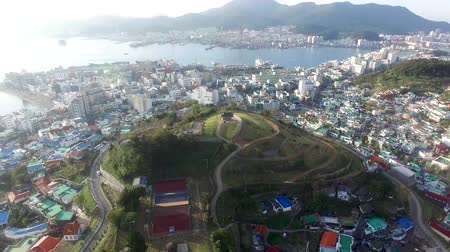 パビリオン : Aerial View of Seopirang Pavilion of Tongyeong, Gyeongnam, South Korea, Asia.