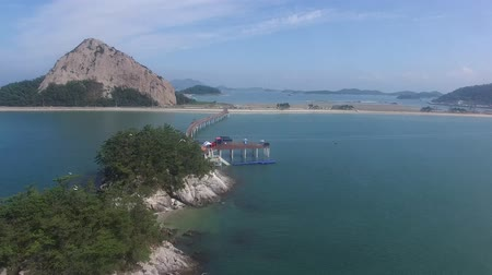 golfbreker : Aerial View of Bridge in Saemangeum Seawall, Jeonnam, South Korea, Asia Stockvideo