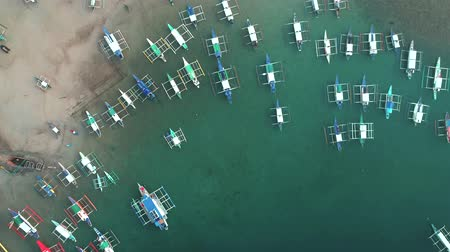 kotvící : Aerial drone view of boats anchored in the bay with clear and turquoise water. Boat and yacht in the tropical lagoon. Tropical landscape. El Nido, Palawan island, Philippines.