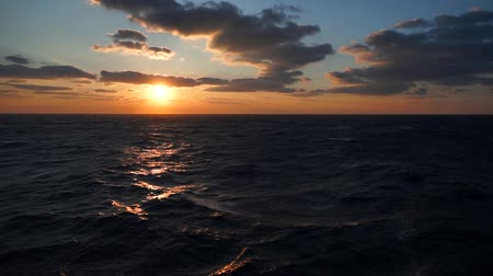 espetacular : Beautiful sunset in atlantic ocean with amazing clouds