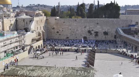sukkot : Time-lapse of the wailing wall in Jerusalem, two days before sukkot or the Feast of Tabernacles.