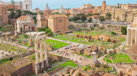 Time lapse with zooming on a scenic view over the ruins of the Roman Forum in Rome, Italy Stock mozgókép