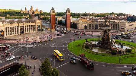 Timelapse with aerial view of Placa dEspanya, iconic landmark in Barcelona, ??Catalonia, Spain. Panning shot Stock mozgókép