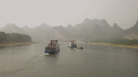 guangxi : on the Lijiang River to the town of Yangshuo Stock Footage