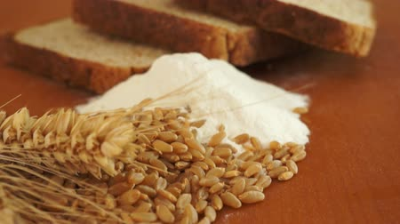 pişmiş : Wheat Grain Flour Bread Dolly Shot