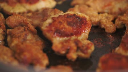 frango : Pan Fried Chicken Flipping