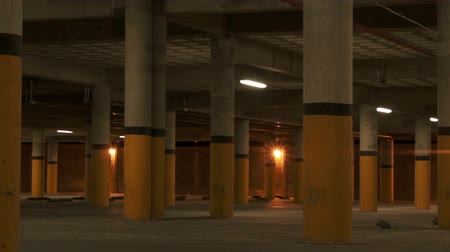 panik : Tiefgarage Pillars Scary Zoom Videos