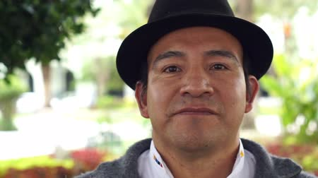 bennszülött : Close up portrait shot of an indigenous Saraguro man wearing traditional hat in the province of Loja and the country of Ecuador.