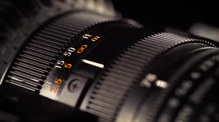 фокус : Close-up of a Television Camera Lens.