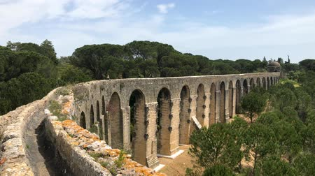 rycerze : Tomar, Portugal - April 2018: Aqueduct near the town of Tomar leading to the Convento de Cristo, Portugal