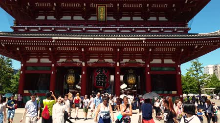 senso ji : Tokyo, Japan - August 2018: Unidentified tourists visiting Sensoji Temple, the oldest temple in Asakusa area Tokyo, Japan