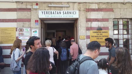 byzantský : Istanbul, Turkey - October 2019: Entrance to Basilica Cistern with people waiting in queue, Eminonu