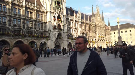 münchen : Munich, Germany - October 2019: Tourist visiting Munich Marienplatz square most popular square in Munchen city centre old town