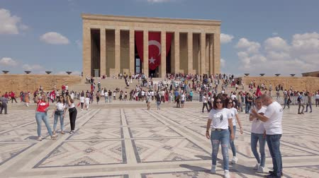 Ankara, Turkey - August 2019: Anitkabir Mausoleum of Ataturk with people visiting the Great Leader Ataturk in his grave to convey his love and respect. Стоковые видеозаписи