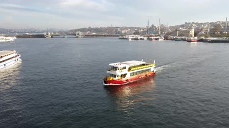 Istanbul, Turkey - December 2018: Passenger boat sailing in Golden Horn Стоковые видеозаписи