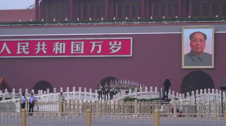элита : National flag guard of honour in Tiananmen square at nightfall.HD