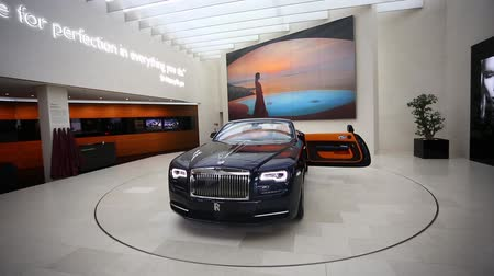 prestiž : Munich, Germany - January 04, 2016: Black Rolls Royce on the exibition in BMW World, Munich, Germany