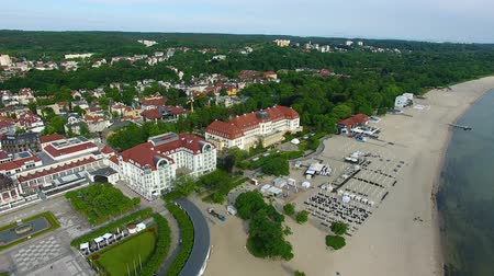 túmulo : Sopot, Poland - June 10, 2017: Bird-eye view of hotels in the recreation area in the resort town of Sopot in morning time Stock Footage