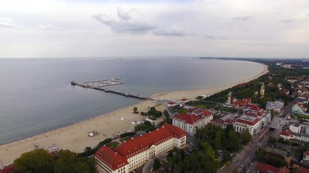 túmulo : Aerial view of the cityscape of Sopot in evening Stock Footage