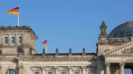 bundestag : German Politics Concept: Pan Shot of The Reichstag Building in Berlin, Germany Stock Footage