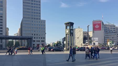 subway car : BERLIN, GERMANY - MAY 19, 2018: Walk At Famous Potsdamer Platz In Berlin In Summer Stock Footage