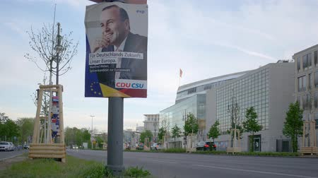 verkiezing : BERLIN, GERMANY - APRIL 25, 2019: Campaign Poster of The CDU For The Elections To The European Parliament In Front of Konrad-Adenauer-Haus In Berlin, Germany