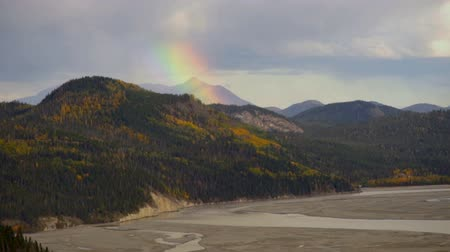 Rainbow Forms Wrangell Mountains Rainstorm River Basin Alaska Stok Video