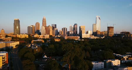 Flying Up Elevating Downtown City Skyline Charlotte North Carolina Stok Video