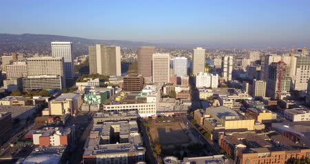 Aerial View Looking West into the Downtown City Skyline of Oakland Califonia Stok Video