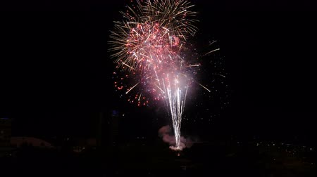 爆弾 : Finale of July 4th Independence Celebration in San Jose, CA