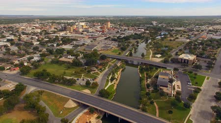 západ : Aerial View Moving over The River in Downtown San Angelo West Texas Dostupné videozáznamy