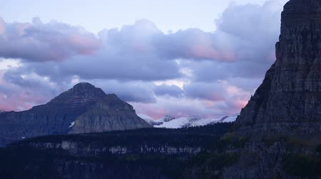 Fast Motion Clouds Move Over Mountains Glacier National Park Stok Video