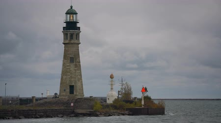kövek : Main River Light Nautical Beacon Lighthouse Buffalo New York