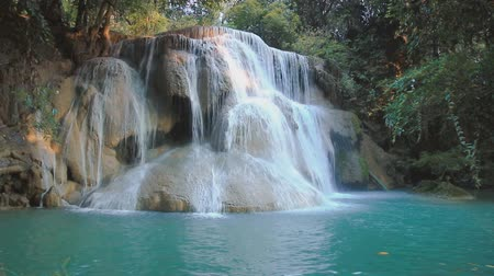 баланс : Waterfall Huay Mae Kamin, beautiful waterfall in tropical forest, Kanchanaburi province, Thailand