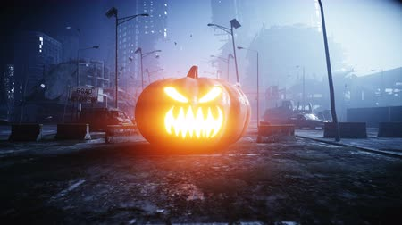 campo de batalha : Halloween pumpkin in night destroyed city. Apocalypse concept. Super realistic 4k animation.