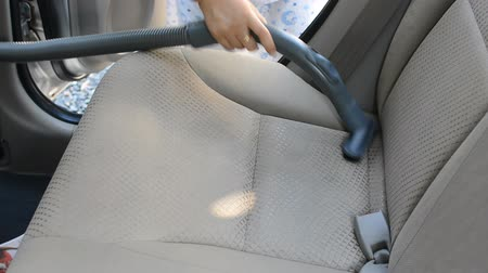 felpudo : cleaning a car with a vacuum cleaner Vídeos