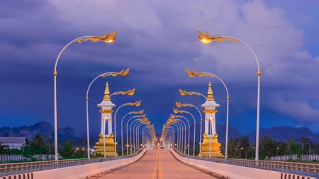 uç : Time lapse friendship bridge no.3 at Nakhonphanom province,Thailand Stok Video