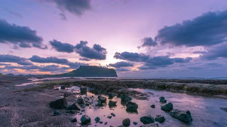 teszi : Time lapse sunrise at Seongsan Ilchulbong, Jeju island, South Korea