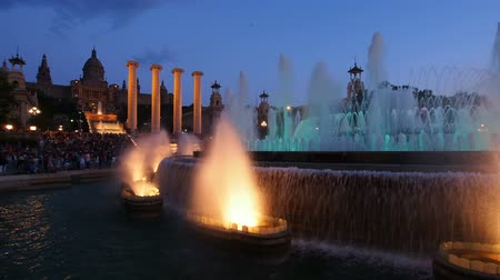 szökőkút : Font Magica de Montjuic - famous fountains in Barcelona, Catalonia, Spain