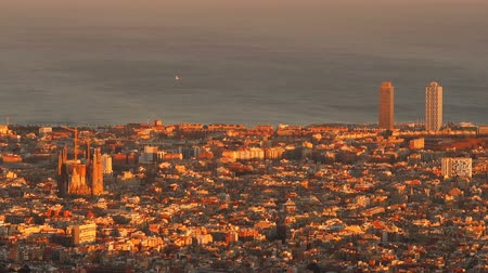 Каталония : Barcelona Cityscape during sunset - view from Tibidabo Mountain, Catalonia, Spain