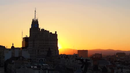 madryt : Cityscape of Madrid during sunset, Spain