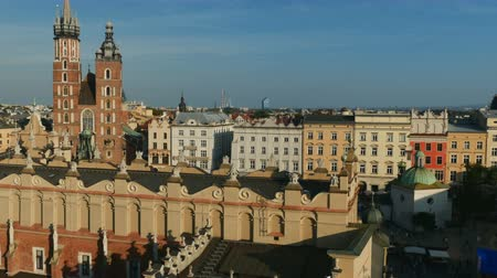 marys : Poland, Lesser Poland Voivodeship, Cracow, Main Market Square, St. Mary Basilica and Cloth Hall