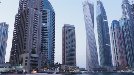 cayan tower : Dubai Marina at twilight, Dubai, United Arab Emirates