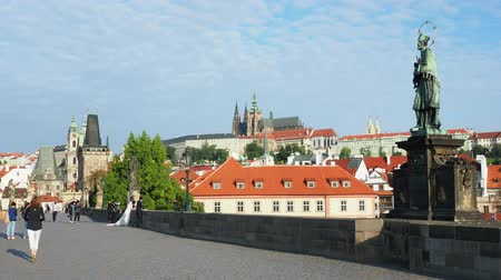 lesser : Charles Bridge, Castle and Cathedral in the background, Prague, Bohemia Region, Czech Republic