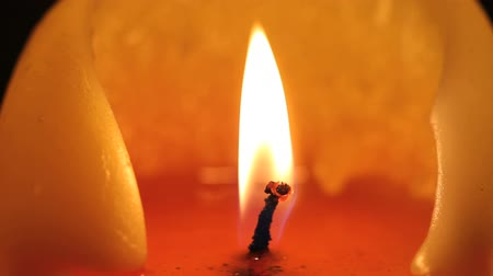 мерцание : Complete cycle of a candle (macro shot) being lit, burning and being blown out Стоковые видеозаписи